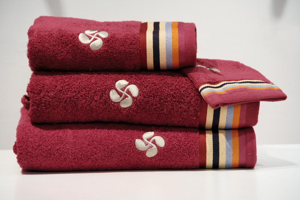 coffrets cadeaux serviettes de bains gant - rouge